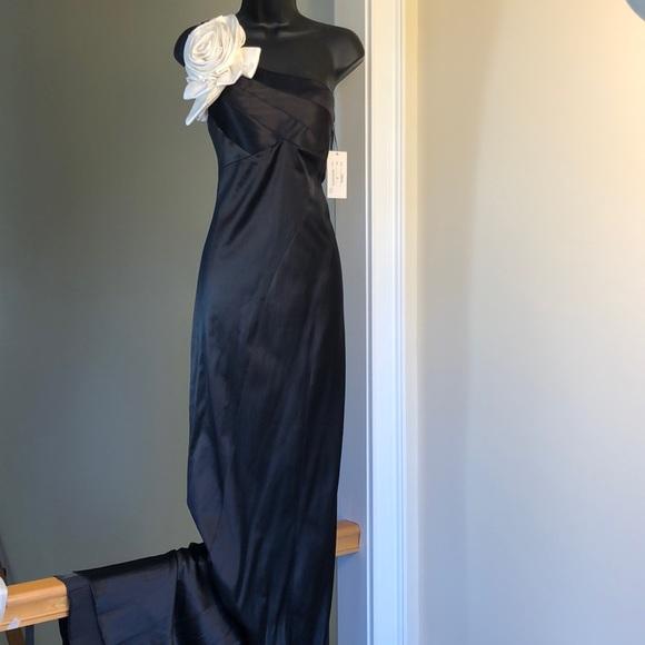 Jovani Dresses & Skirts - JOVANI sz 6 black and white satin gown prom